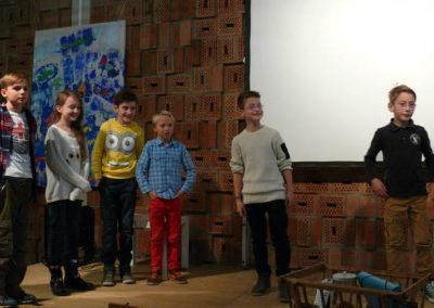 Die Theaterspieler der 4b hatten einige Wünsche an die neue Schulleiterin